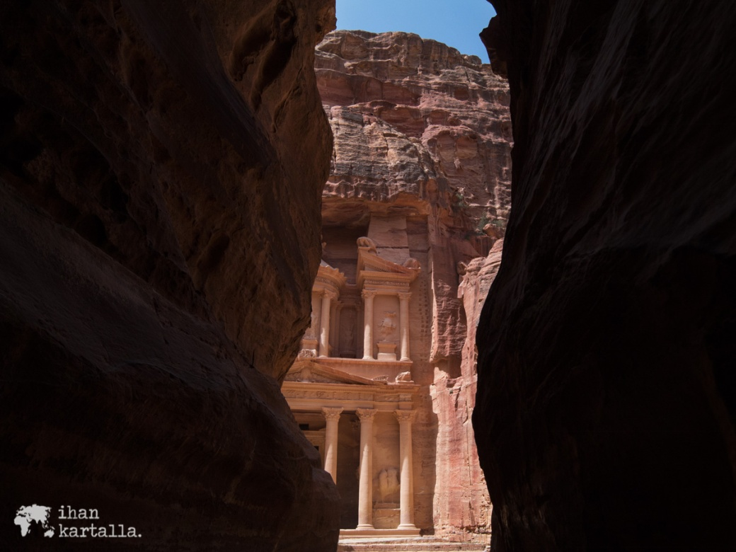4-4-jordan-petra-the-siq-treasury